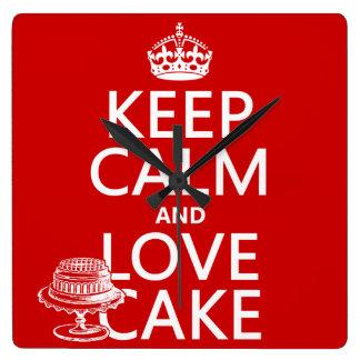 Behalten Sie Ruhe-und Liebe-Kuchen Quadratische Wanduhr