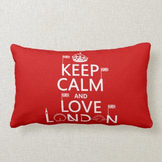 Behalten Sie Ruhe und Liebe London Lendenkissen