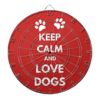 Behalten Sie Ruhe- und Liebehunde Dartscheibe