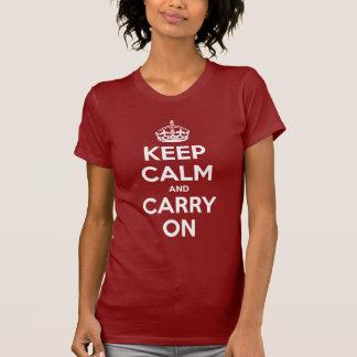 Behalten Sie Ruhe und machen Sie weißes und rotes Tshirts