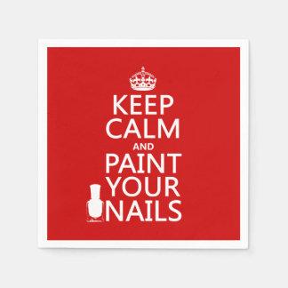 Behalten Sie Ruhe und malen Sie Ihre Nägel (alle Papierserviette