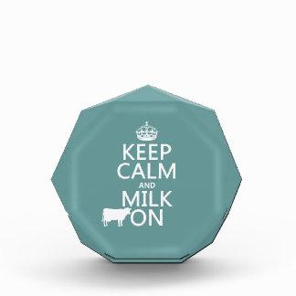 Behalten Sie Ruhe und Milch auf (Kühe) (in allen Auszeichnung