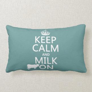 Behalten Sie Ruhe und Milch auf (Kühe) (in allen Lendenkissen