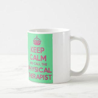 Behalten Sie Ruhe und nennen Sie die körperlicher Kaffeetasse