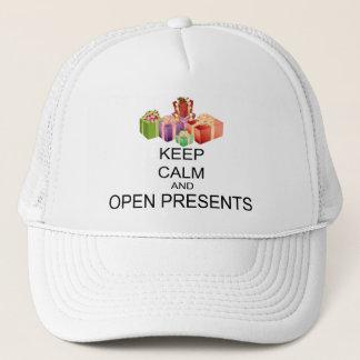 Behalten Sie Ruhe und öffnen Sie Geschenke Truckerkappe