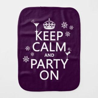 Behalten Sie Ruhe und Party an - alle Farben Spucktuch