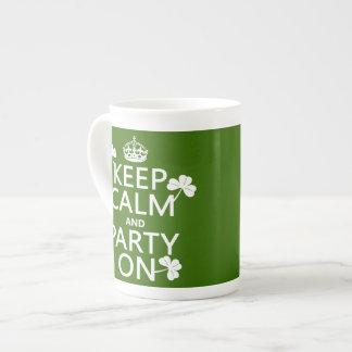 Behalten Sie Ruhe und Party auf (Iren) (irgendeine Porzellantasse