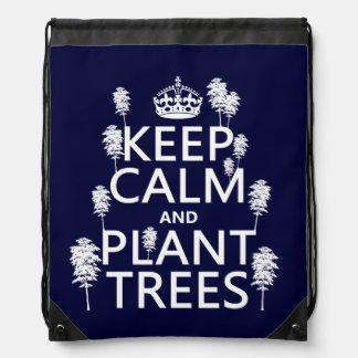 Behalten Sie Ruhe und Pflanzen-Bäume (alle Farben) Turnbeutel