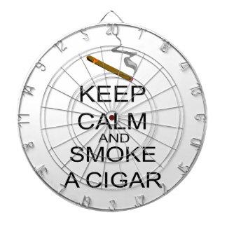 Behalten Sie Ruhe und rauchen Sie eine Zigarre Dartscheibe