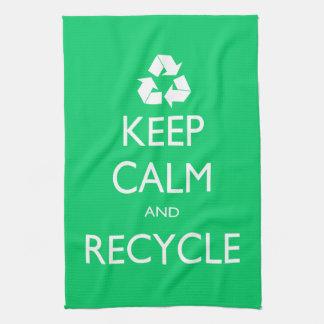 Behalten Sie Ruhe und recyceln Sie Geschirrtuch