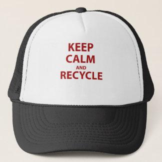 Behalten Sie Ruhe und recyceln Sie Truckerkappe