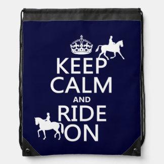 Behalten Sie Ruhe und reiten Sie an - Pferde, alle Turnbeutel