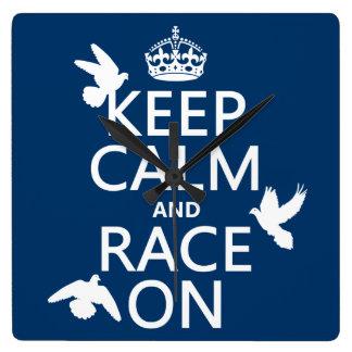 Behalten Sie Ruhe und Rennen auf (Tauben) (alle Quadratische Wanduhr
