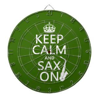 Behalten Sie Ruhe und Sax (Saxophone) auf Dartscheibe