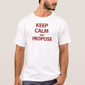 Behalten Sie Ruhe und schlagen Sie vor T-Shirt