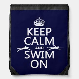 Behalten Sie Ruhe und schwimmen Sie auf (in Turnbeutel