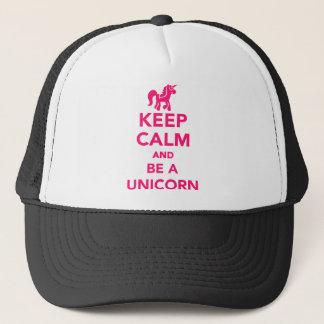Behalten Sie Ruhe und seien Sie ein Unicorn Truckerkappe