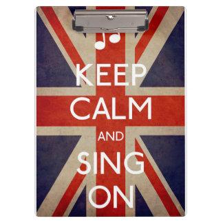 Behalten Sie Ruhe und singen Sie auf