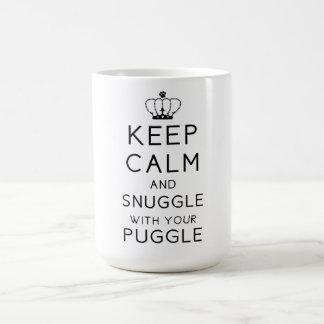 Behalten Sie Ruhe und Snuggle mit Ihrer Puggle Kaffeetasse