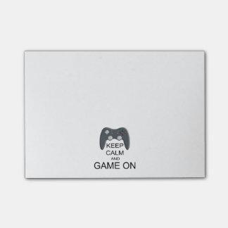 Behalten Sie Ruhe und Spiel AN Post-it Haftnotiz