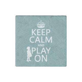 Behalten Sie Ruhe und Spiel an Stein-Magnet