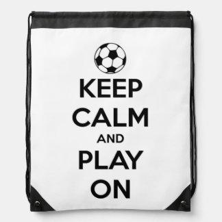 Behalten Sie Ruhe und Spiel auf Schwarzem auf Weiß Turnbeutel