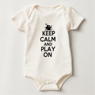 Behalten Sie Ruhe und Spiel auf (Trommeln) Baby Strampler