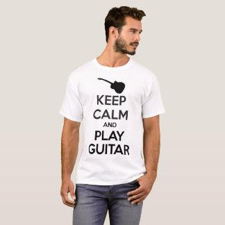 Behalten Sie Ruhe-und Spiel-Gitarren-Mann-Weiß-T - T-Shirt