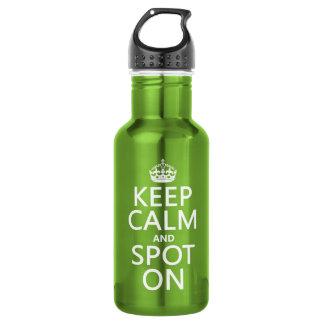 Behalten Sie Ruhe und Stelle auf (fertigen Sie Trinkflasche