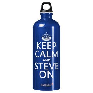 Behalten Sie Ruhe und Steve auf (irgendeine Farbe) Aluminiumwasserflasche