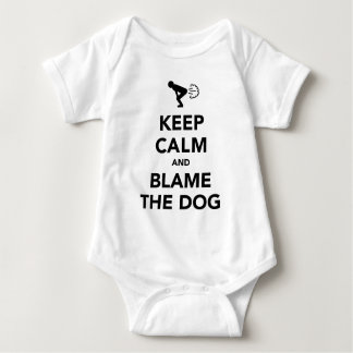 Behalten Sie Ruhe und tadeln Sie den Hund Baby Strampler