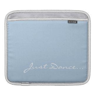 Behalten Sie Ruhe und tanzen Sie auf hellblaues Sleeve Für iPads