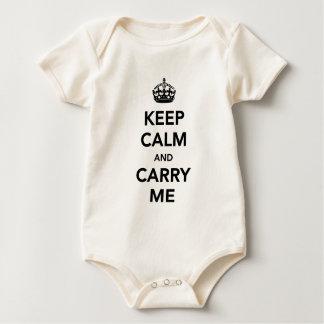 Behalten Sie Ruhe und tragen Sie mich Baby-Shirt Baby Strampler