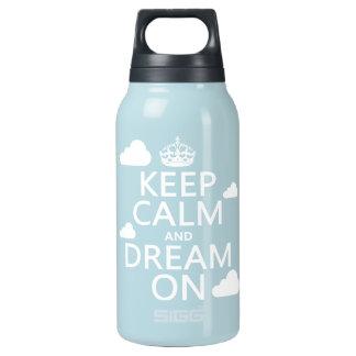 Behalten Sie Ruhe und Traum an (Wolken) - alle Isolierte Flasche