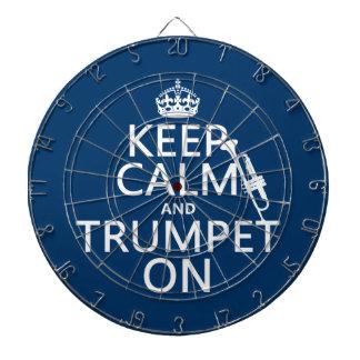 Behalten Sie Ruhe und Trompete auf (irgendeine Dartscheibe