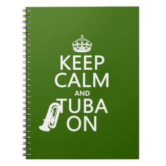 Behalten Sie Ruhe und Tuba auf (irgendeine Notizblock