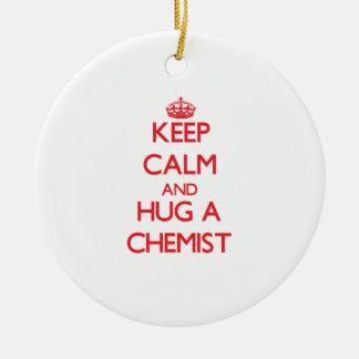 Behalten Sie Ruhe und umarmen Sie einen Chemiker Ornament