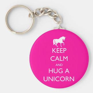 Behalten Sie Ruhe und umarmen Sie einen Unicorn Schlüsselanhänger