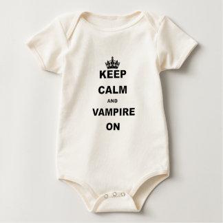 BEHALTEN Sie RUHE UND VAMPIRE ONN.png Baby Strampler