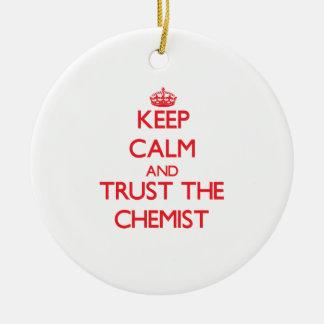 Behalten Sie Ruhe und vertrauen Sie dem Chemiker Ornamente