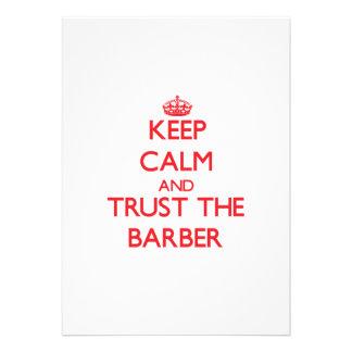 Behalten Sie Ruhe und vertrauen Sie dem Friseur Ankündigungskarte