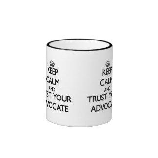 Behalten Sie Ruhe und vertrauen Sie Ihrem Anwalt Ringer Tasse