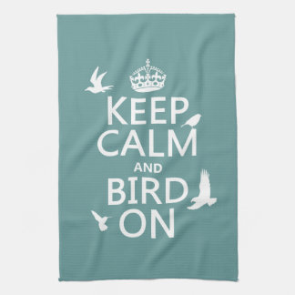Behalten Sie Ruhe und Vogel an Handtuch