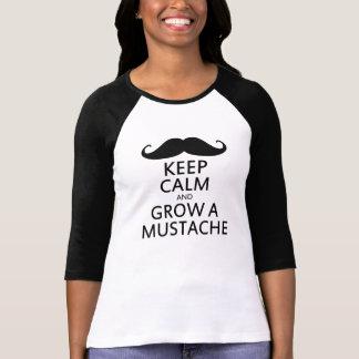 Behalten Sie Ruhe und wachsen Sie einen Schnurrbar Tshirts