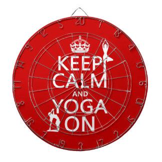 Behalten Sie Ruhe und Yoga auf (fertigen Sie Dartscheibe
