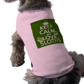 Behalten Sie Ruheund LiebeSloths (irgendeine T-Shirt