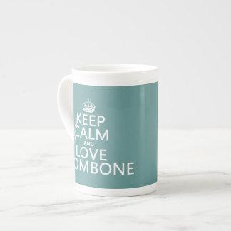 Behalten Sie Ruheund LiebeTrombone (irgendeine Porzellantasse