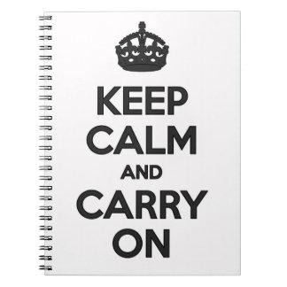 Behalten Sie ruhig u. machen Sie Notizbuch weiter Notizblock