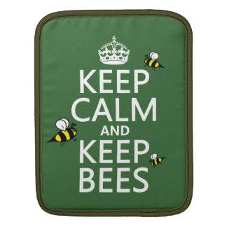 Behalten Sie ruhig und behalten Sie Bienen - alle iPad Sleeve