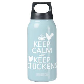 Behalten Sie ruhig und behalten Sie Hühner Isolierte Flasche
